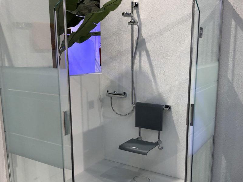 Dusche in der Badausstellung auf der Bad Salzufler Bau-Fachmesse